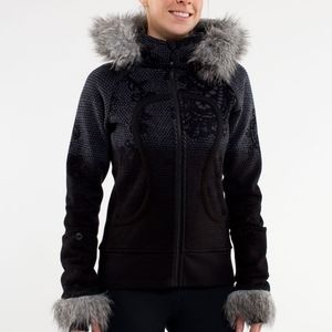 Lululemon Scuba Hoodie with Detachable Fur - 8